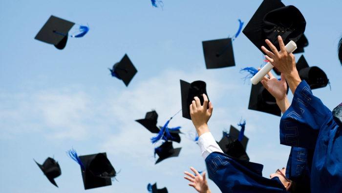 des jeunes diplômés
