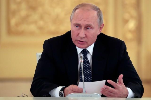 """Poutine: Un retrait américain des traités de désarmement mènera à """"la course aux armements"""""""