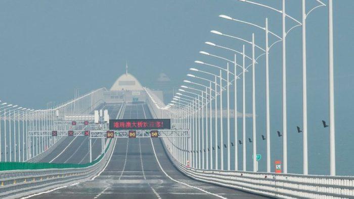 Chine: ouverture du pont maritime le plus long du monde