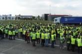 Les gilets jaunes continuent leur défiance en France