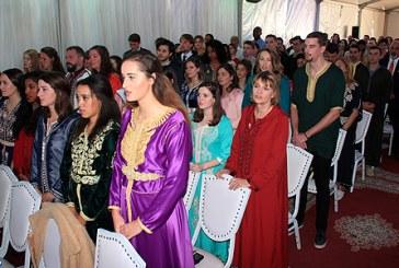 Meknès : Prestation de serment d'un groupe de nouveaux volontaires du Corps de la Paix américain