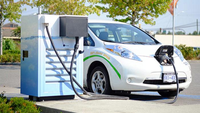 Le silicium : un moyen de booster la capacité des batteries des véhicules électriques