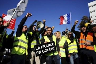 «Gilets jaunes» : essoufflement de la mobilisation après cinq jours de manifestations