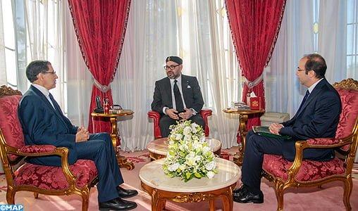 SM le Roi reçoit le Chef du gouvernement et le ministre de la santé au Palais Royal de Rabat