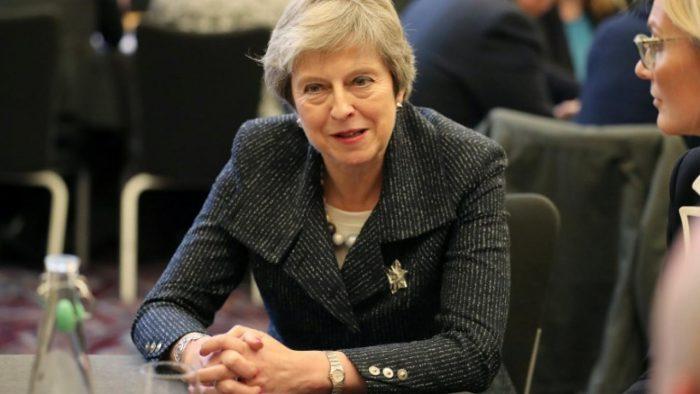 Theresa May défend le Brexit devant le Parlement britannique