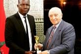 Gabriel Banon reçoit le Trophée de l'Africanité