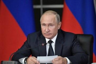 Loi martiale en Ukraine: Poutine fait part à Merkel d'une «sérieuse préoccupation» de Moscou