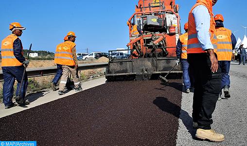 Travaux d'entretien et de reprofilage de la route nationale n° 9 entre le Col de Tichka et la localité d'Aguelmous, sur un tronçon de 8 Km