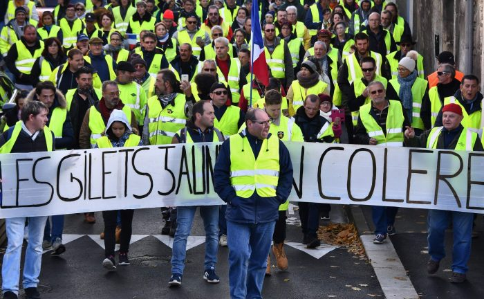 Le gouvernement français appelle les «Gilets jaunes» à ne pas manifester samedi