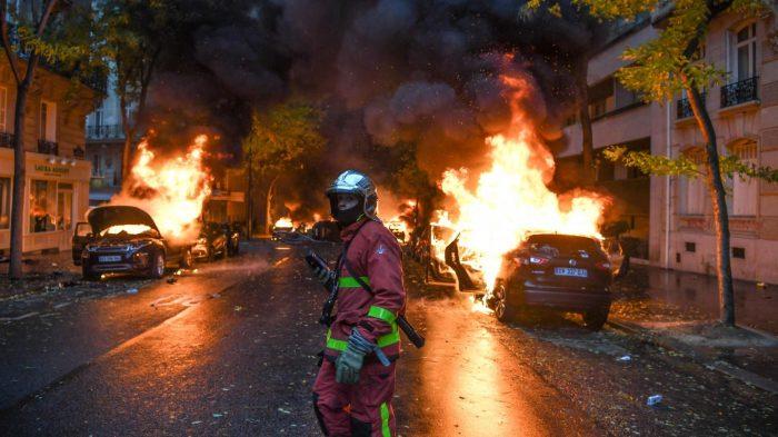 Gilets jaunes : Explosion de violence à Paris, une centaine de blessés et 255 interpellations