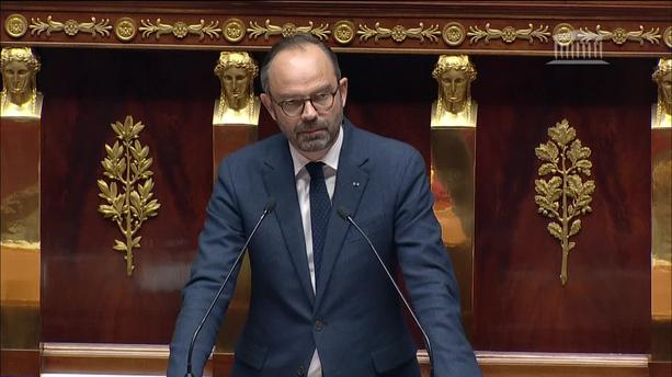 Gilets jaunes : le Premier ministre disposé à examiner des mesures qui permettraient d'augmenter le Smic