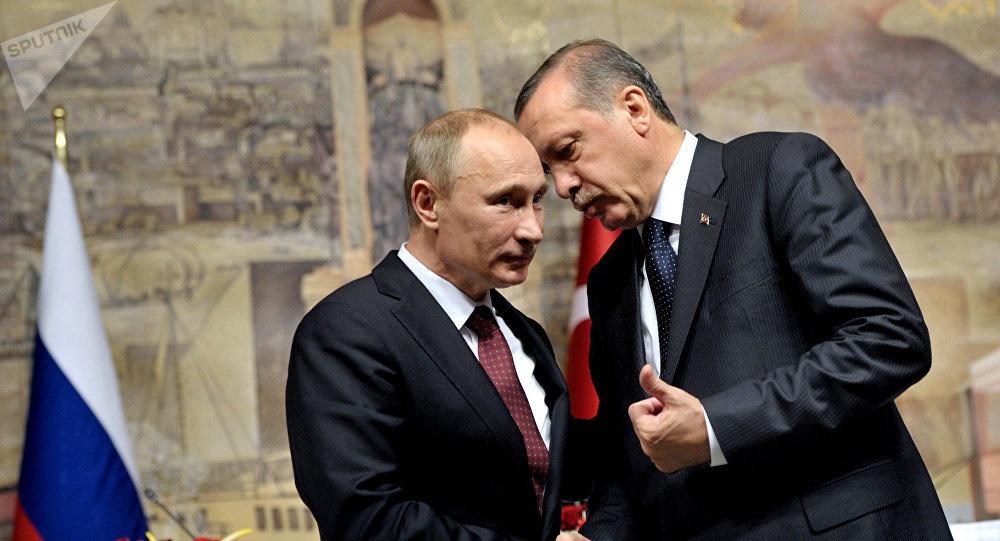Moscou et Ankara veulent coordonner leurs actions en Syrie après le retrait américain