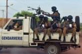 Des hommes armés non identifiés tuent 10 gendarmes au Burkina Faso