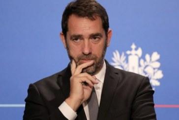 """France : le ministre de l'intérieur appelle les """"Gilets jaunes"""" à cesser les blocages des ronds-points"""