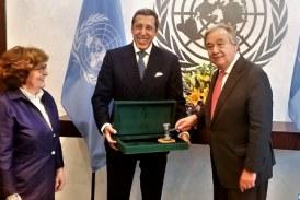 Omar Hilale remet le Marteau de la Conférence de Marrakech sur la Migration au SG de l'ONU