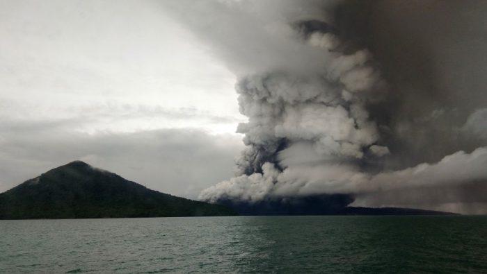 volcan Anak Krakatoa