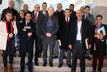 Doukkali examine avec les syndicats de la Santé les revendications du personnel du secteur
