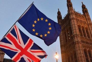 La livre sterling chute après le rejet par le Parlement d'un amendement sur le report de la date du Brexit