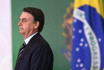 "Le président Jair Bolsonaro opéré ""avec succès"" à Sao Paulo"