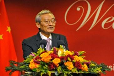 """L'ambassadeur chinois auprès de l'UE fustige la """"discrimination"""" de Huawei"""