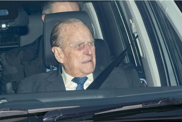 Royaume-Uni: le prince Philip sort indemne d'un accident de voiture