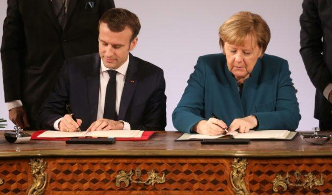 Macron et Merkel signent un traité pro-EU
