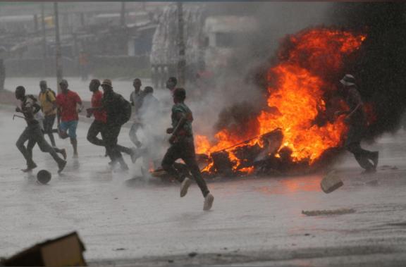 Des manifestations éclatent au Zimbabwe alors que la crise économique prend de l'ampleur
