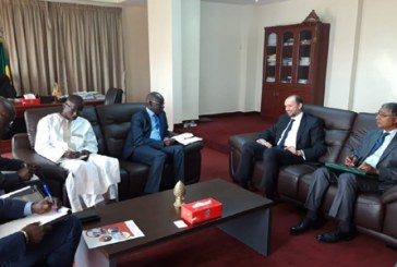 Jazouli s'entretient avec des responsables sénégalais à Dakar du suivi de la coopération bilatérale