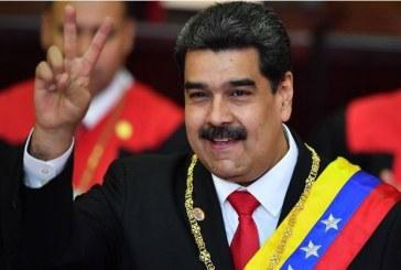 Venezuela: un Nicolás Maduro très isolé malgré son investiture