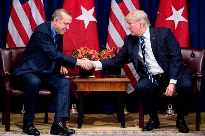 """Syrie: Erdogan et Trump évoquent une """"zone de sécurité"""" établie par Ankara"""