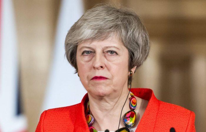 "Brexit: May met en garde contre un rejet ""catastrophique"" de l'accord"