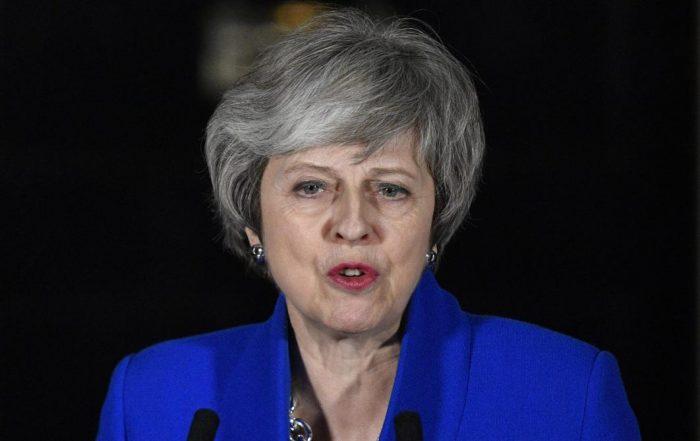 """Brexit: Theresa May juge """"impossible"""" d'écarter le scénario d'un """"no deal"""""""
