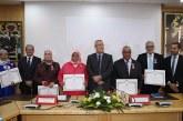 Des Wissams royaux remis à des fonctionnaires du ministère de la Fonction publique