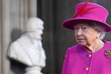 """Brexit: la Reine Elizabeth II appelle les Britanniques à s'unifier pour chercher """"un terrain d'entente"""""""