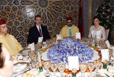 SM le Roi offre un dîner officiel en l'honneur des Souverains espagnols