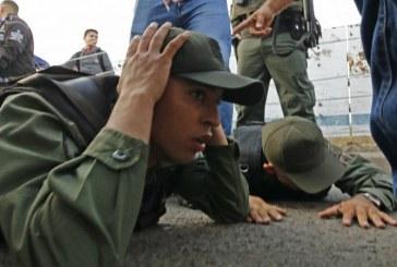 Quatre militaires vénézuéliens désertent vers la Colombie