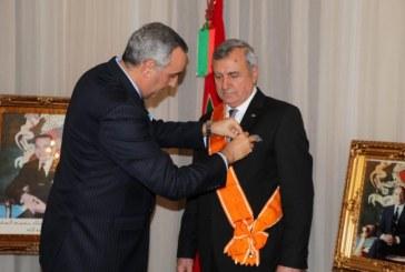L'Ambassadeur de SM Le Roi à Bakou remet le Grand Cordon du Wissam Alaouite à l'ancien Ambassadeur d'Azerbaïdjan au Maroc