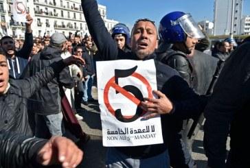 """Les Algériens disent """"Non"""" à un 5è """"mandat de trop"""""""