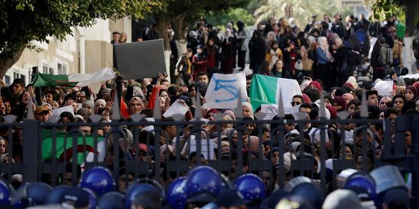 La France souhaite que la prochaine présidentielle donne une nouvelle impulsion à l'Algérie