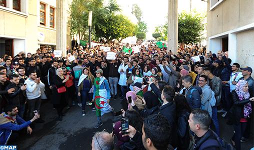 """Algérie: Les journalistes de ENTV refusent d'être utilisés pour """"tronquer"""" les informations"""