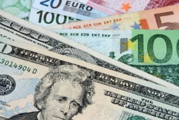 L'euro recule face au dollar