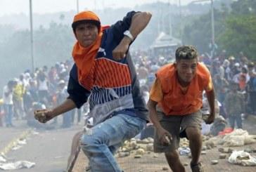 Nouveaux affrontements entre l'armée vénézuélienne et des manifestants à la frontière avec le Brésil