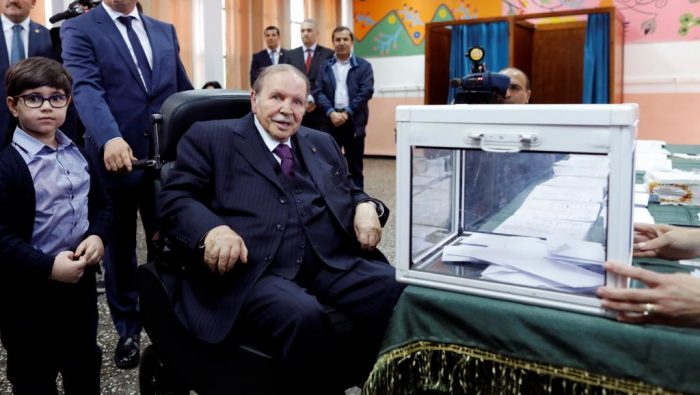 La candidature de Bouteflika à la Présidentielle d'avril déposée au Conseil Constitutionnel