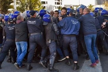 Manifestations à Alger: 63 blessés dont 56 policiers, 45 arrestations
