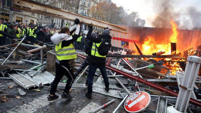 «Gilets jaunes» : 170 millions d'euros de dégâts en 17 actes de mobilisation