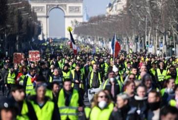 """France : les """"Gilets jaunes"""" dans la rue pour le 17ème samedi consécutif"""