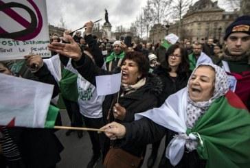 Des centaines de manifestants à Paris contre un 5e mandat de Bouteflika