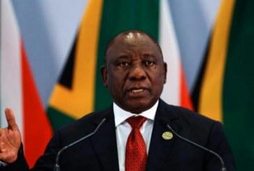 Afrique du Sud: Ramaphosa appelle ses compatriotes à se préparer pour «des jours difficiles»