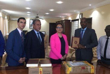 Djibouti : le Maroc fait don d'un lot du Saint Coran et de livres sur la culture islamique