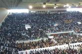 Le Pape préside une cérémonie religieuse au complexe sportif Prince Moulay Abdellah en présence de près de 10.000 personnes